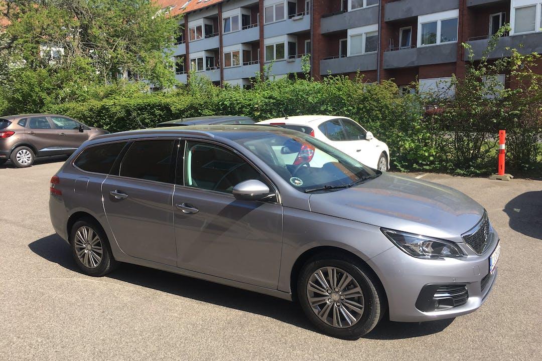 Billig billeje af Peugeot 308, BlueHDi 130 SW nær 8320 Mårslet.