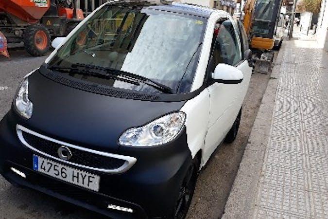 Alquiler barato de Smart Fortwo Coupe Boconcept Mhd 52 cerca de 07800 Eivissa.