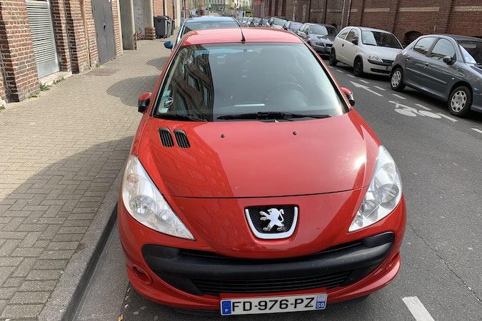 Location économique de voiture de Peugeot 206 avec Entrée AUX/MP3 proche de 59000 Lille.