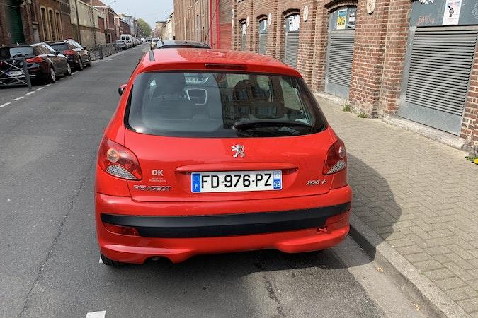 Location économique de voiture de Peugeot 206 avec Lecteur de CD proche de 59000 Lille.