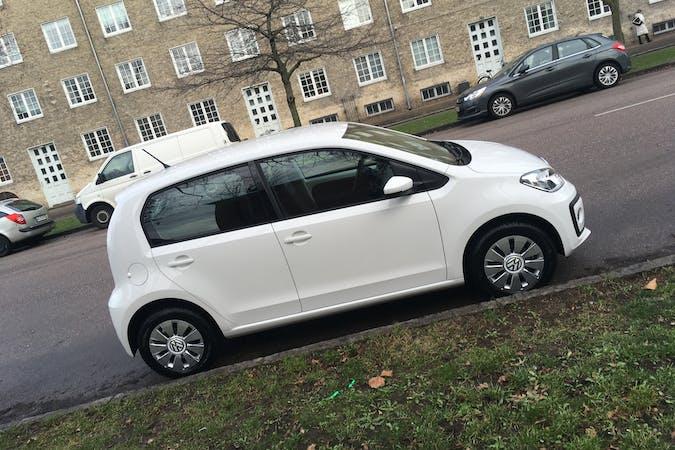 Billig billeje af VW up  med Isofix beslag nær 2300 København.