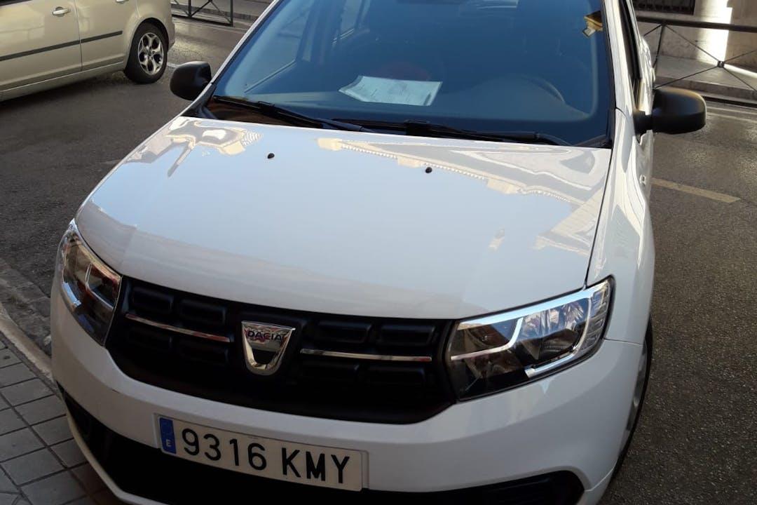 Alquiler barato de Dacia Sandero 1.5 Dci 75 Ambiance con equipamiento Fijaciones Isofix cerca de 18001 Granada.