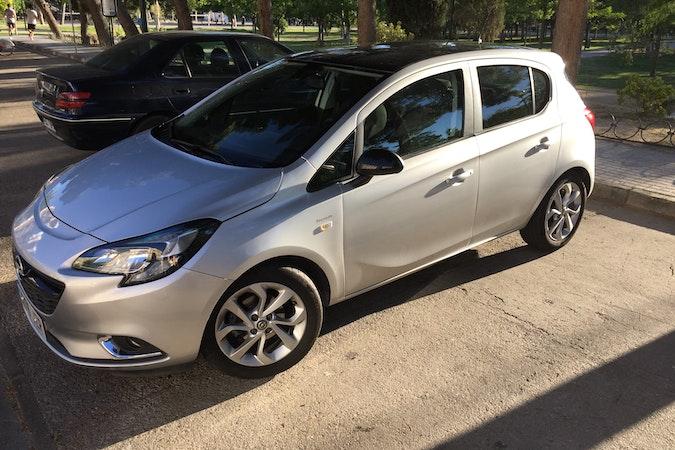 Alquiler barato de Opel Corsa 1.4 90 Excellence cerca de 50015 Zaragoza.