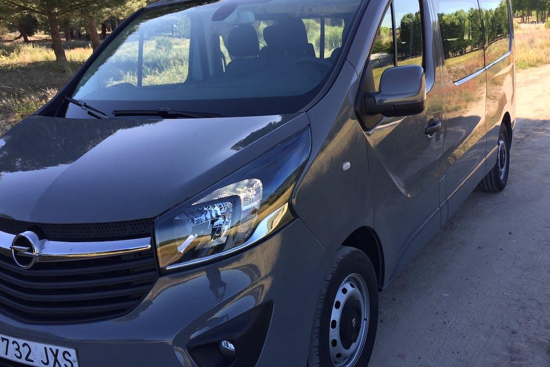 Alquiler barato de Opel Vivaro cerca de 47004 Valladolid.