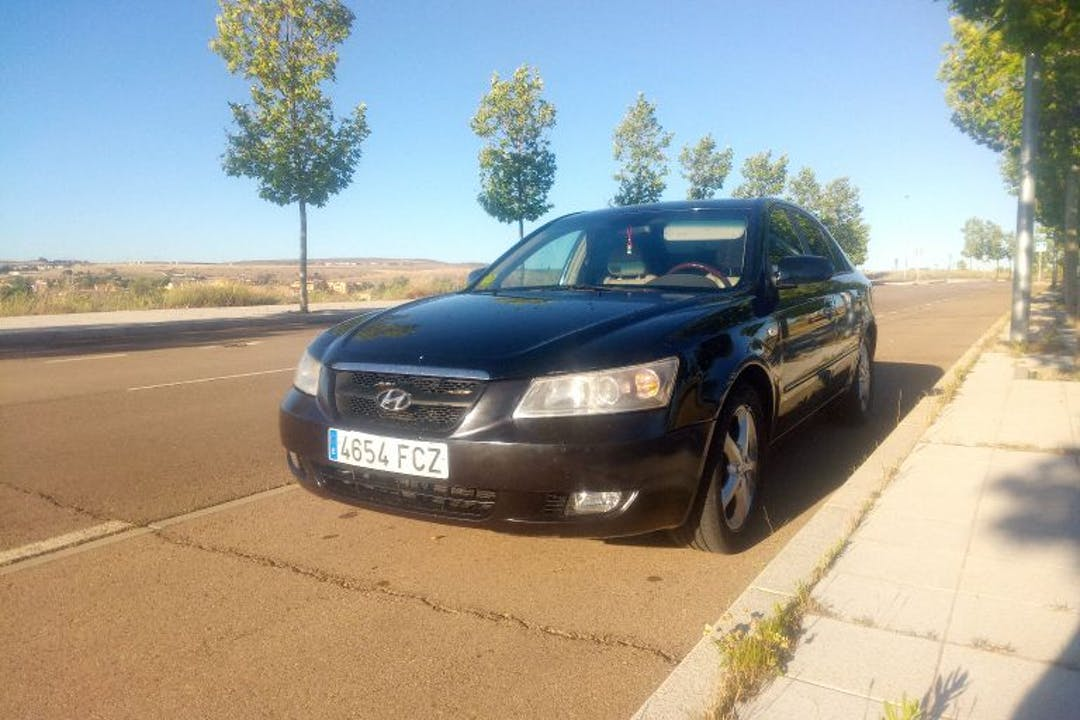 Alquiler barato de Hyundai Sonata 2.0 Crdi Comfort I cerca de 37003 Salamanca.