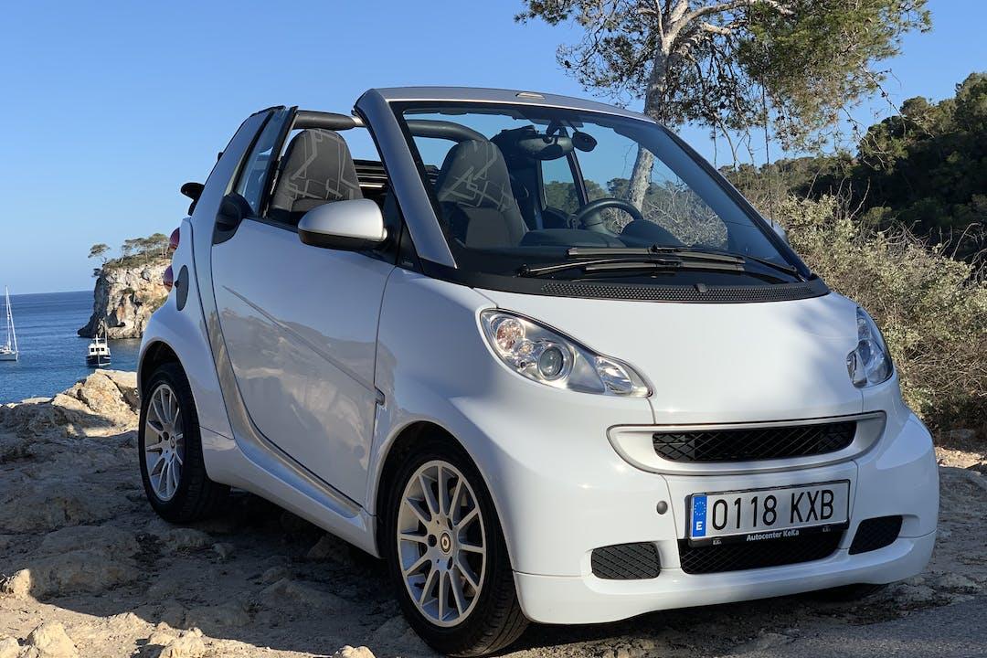 Alquiler barato de Smart Fortwo Cabrio cerca de 07006 Palma.