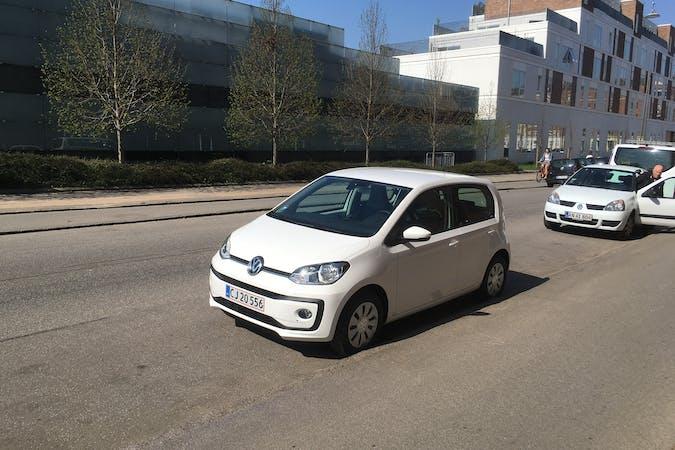Billig billeje af VW Up nær 2400 København.