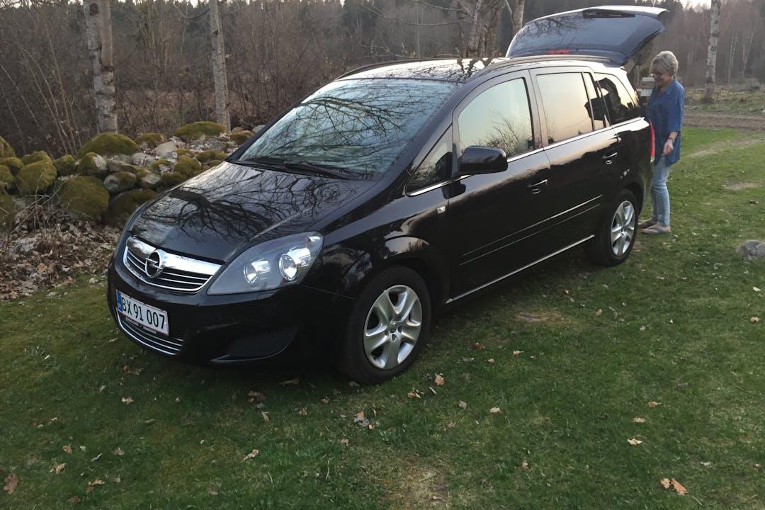 Billig billeje af Opel Zafira 1,7 nær 2300 Kastrup.