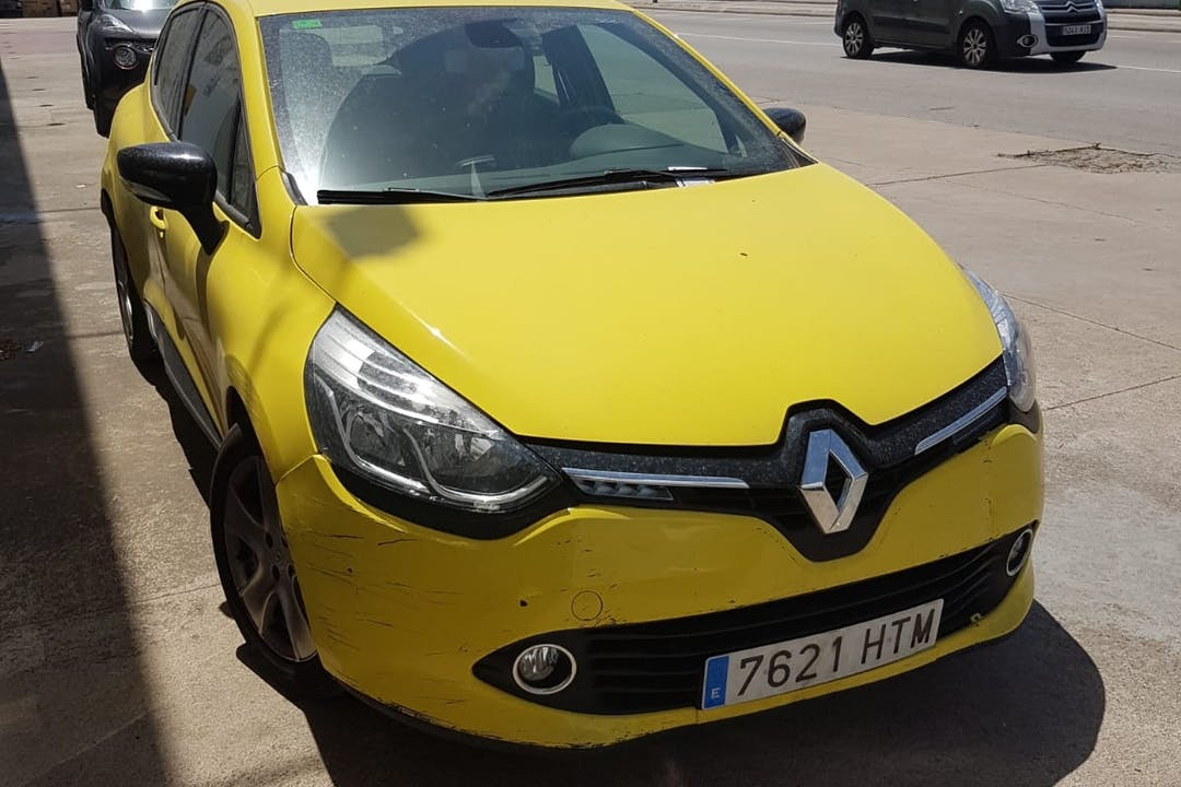 Alquiler barato de Renault Clio Dynamique 1.2tce 100 cerca de 17005 Girona.