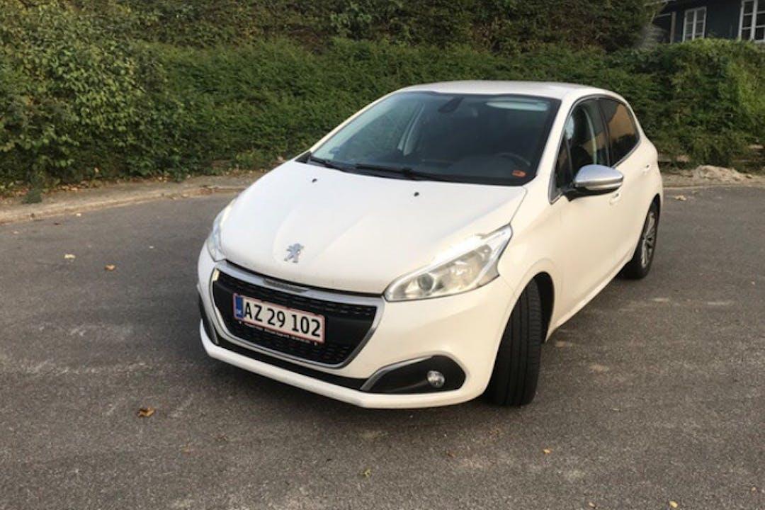 Billig billeje af Peugeot 208 nær 4000 Roskilde.