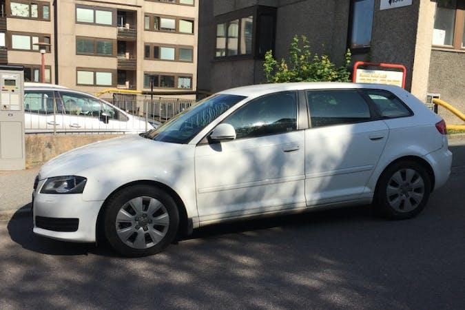 Billig biluthyrning av Audi A3 i närheten av 413 15 Masthugget.