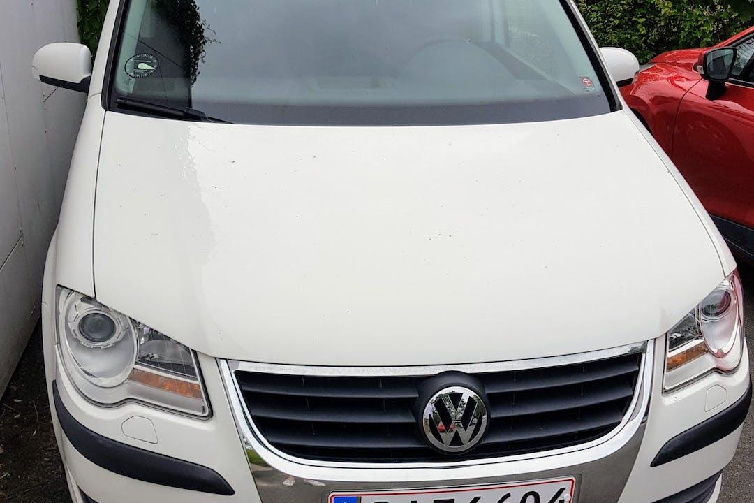 Billig billeje af VW Touran  nær 8800 Viborg.