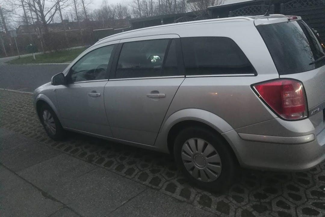 Billig billeje af Opel Astra nær 2635 Ishøj.