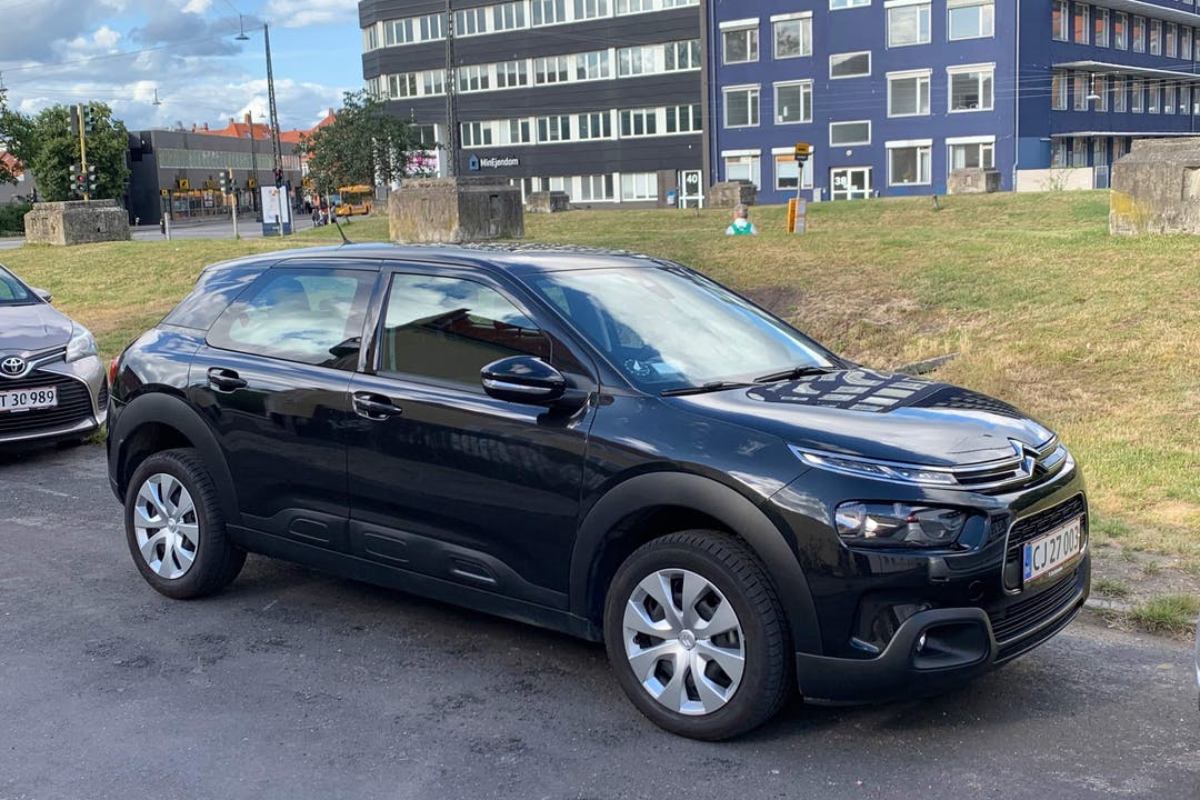 Billig billeje af Citroën Cactus med Bluetooth nær 2100 København.