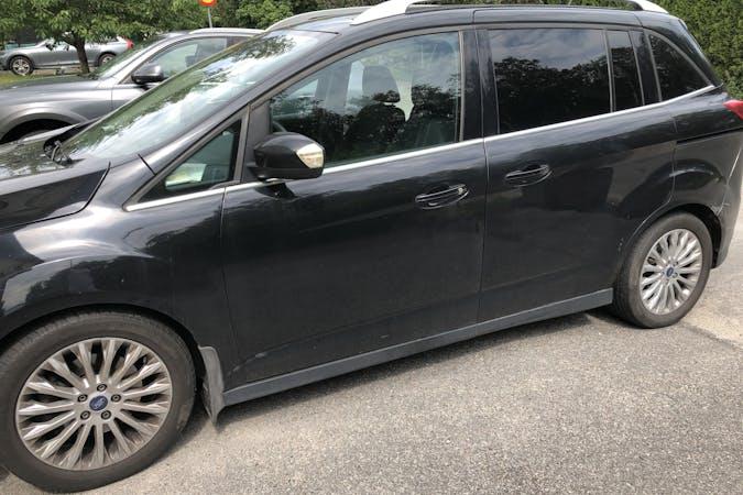 Billig biluthyrning av Ford Grand C-MAX i närheten av 141 47 Sjödalen.