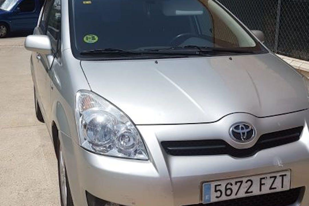 Alquiler barato de Toyota Corolla cerca de  Guadalajara.