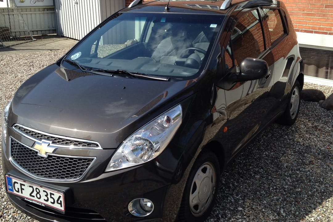 Billig billeje af Chevrolet Spark 1.0 LS nær 5000 Odense.