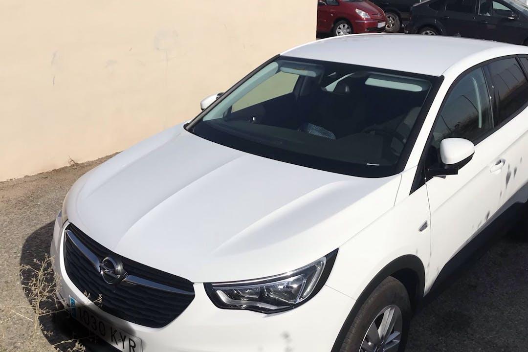 Alquiler barato de Opel Grandland X 1.6cdti 120 S&S Selective cerca de 10005 Cáceres.