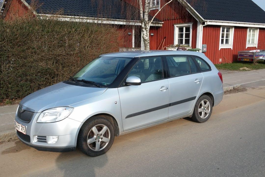 Billig billeje af Skoda Fabia Combi Greenline 1.4 med Anhængertræk nær 8355 Solbjerg.