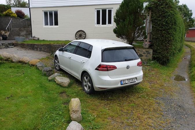 Billig leie av VW E-Golf med Vinterdekk nærheten av 5258 Fyllingsdalen.