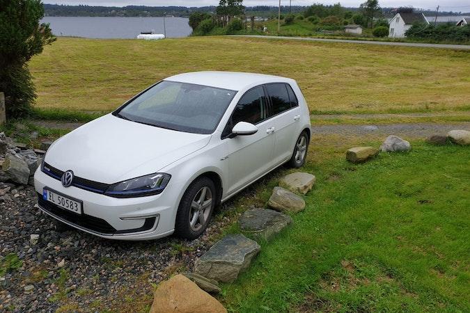 Billig leie av VW E-Golf med Barnesete nærheten av 5258 Fyllingsdalen.
