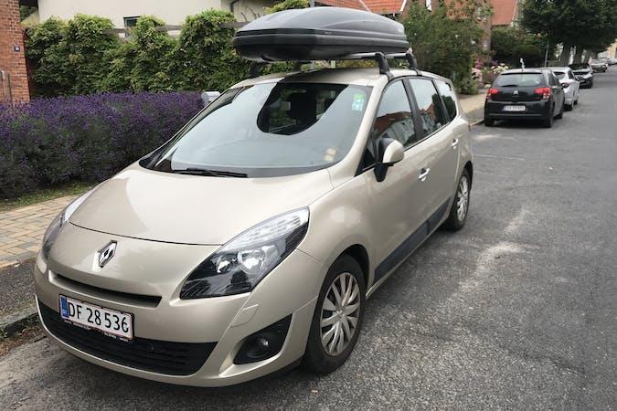 Billig billeje af Renault Grand Scenic 1.5dci med GPS nær 5000 Odense.