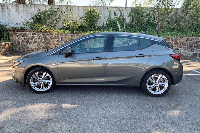 Alquiler barato de Opel Astra 1.6 Cdti 110 Dynamic cerca de 28003 Madrid.