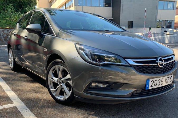 Alquiler barato de Opel Astra cerca de 28003 Madrid.