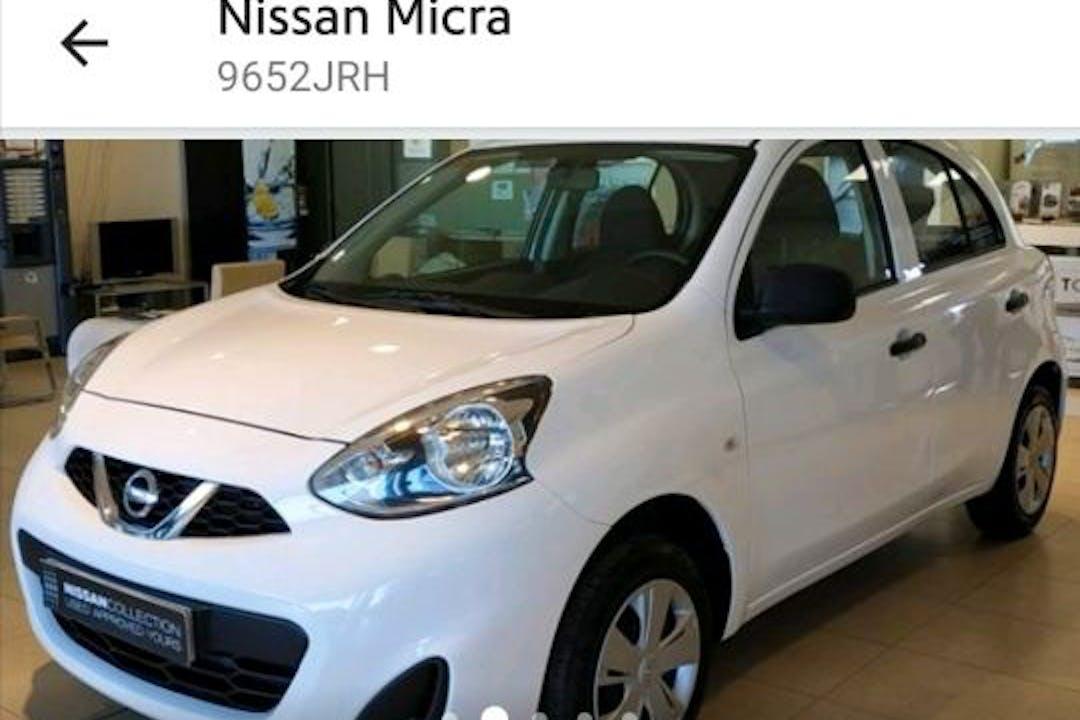 Alquiler barato de Nissan Micra cerca de 50003 Zaragoza.