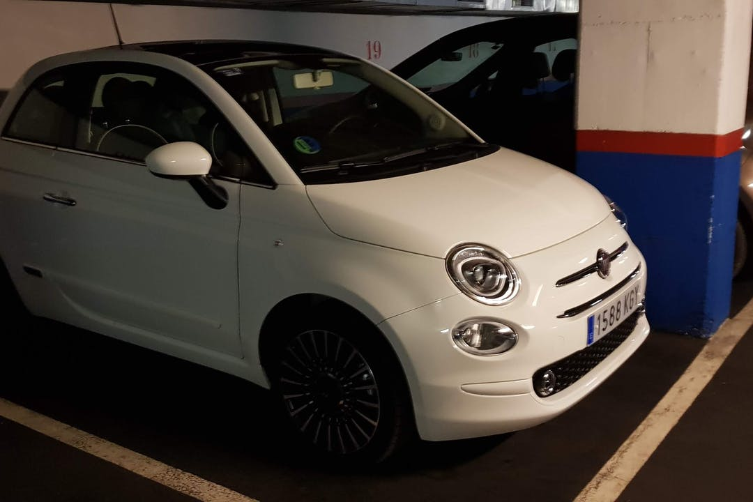 Alquiler barato de Fiat 500 1.2 Glp Lounge cerca de 08010 Barcelona.