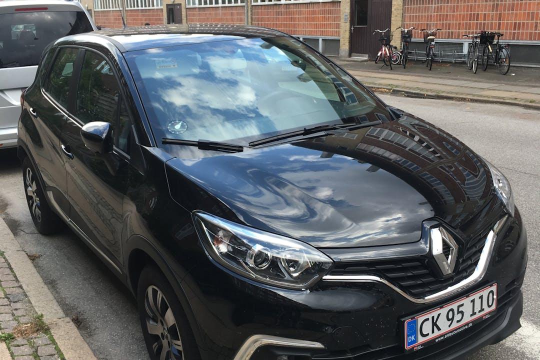 Billig billeje af Renault Captur  med GPS nær 3000 Helsingør.
