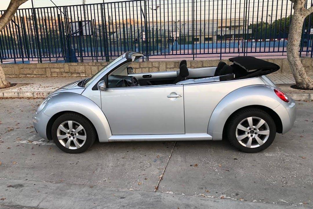 Alquiler barato de Volkswagen Beetle cerca de 29004 Málaga.