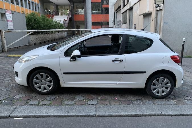 Location économique de voiture de Peugeot 207 proche de 75020 Paris.