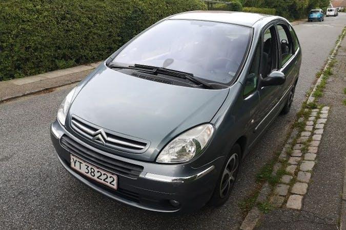 Billig billeje af Citroën Xsara Picasso 1,6 med GPS nær 2700 København.