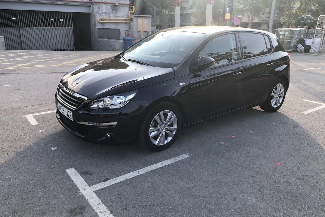Alquiler barato de Peugeot 308 Active 1.6 Bluehdi 120 cerca de 08028 Barcelona.