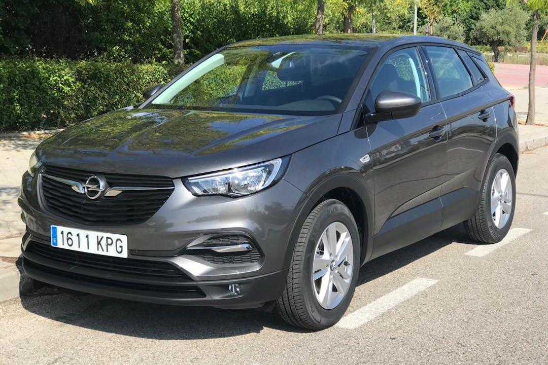 Alquiler barato de Opel Grandland X 1.6cdti 120 S&S Selective cerca de 28044 Madrid.
