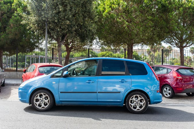 Alquiler barato de Ford C-Max 1.6 Tdci 90 Business cerca de 11007 Cádiz.
