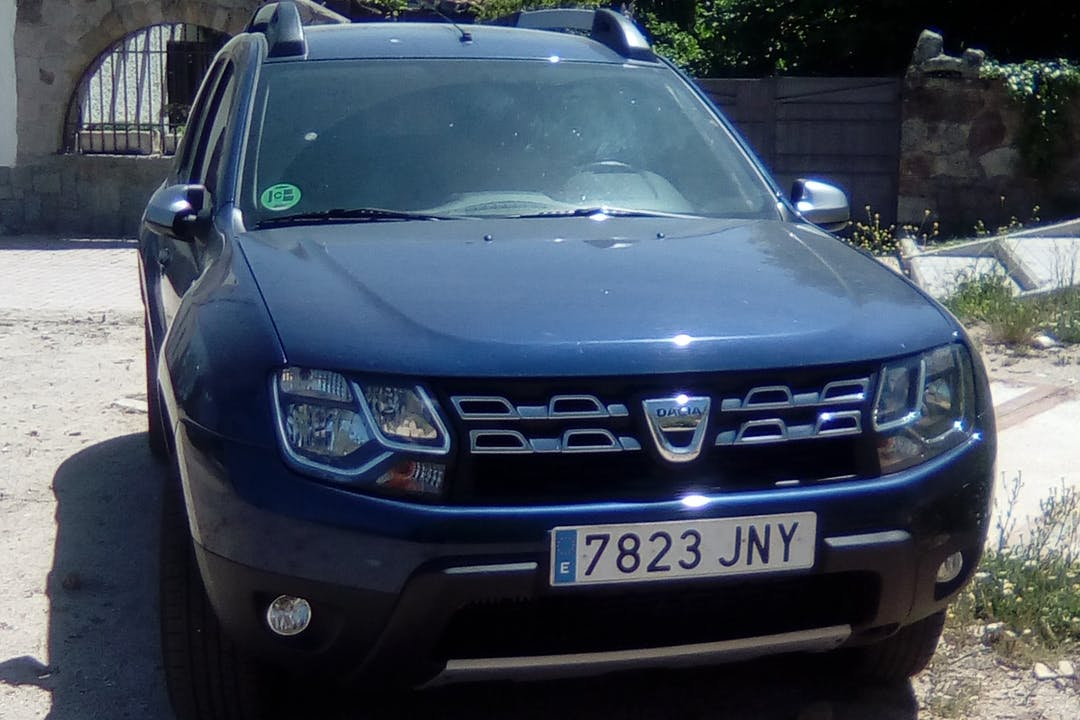 Alquiler barato de Dacia Duster 1.2 Tce 125 Ambiance 4x2 cerca de 28280 El Escorial.