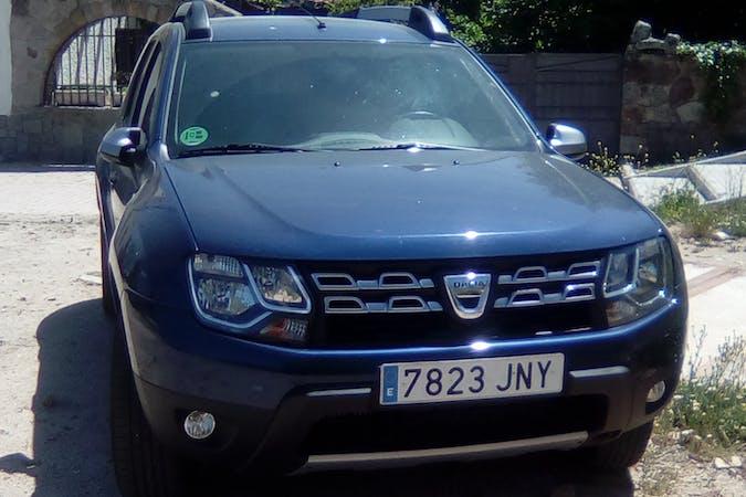 Alquiler barato de Dacia Duster 1.2 Tce 125 Ambiance 4x2 con equipamiento Fijaciones Isofix cerca de 28280 El Escorial.