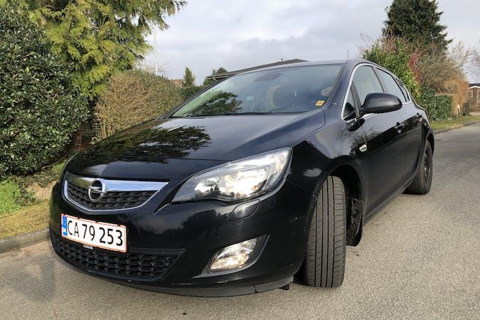 Billig billeje af Opel Astra nær 8270 Højbjerg.
