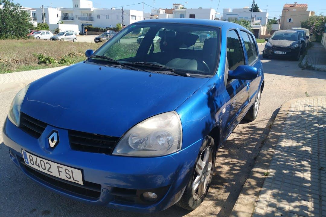 Alquiler barato de Renault Clio Community 1.2 16V cerca de 07820 Sant Antoni de Portmany.