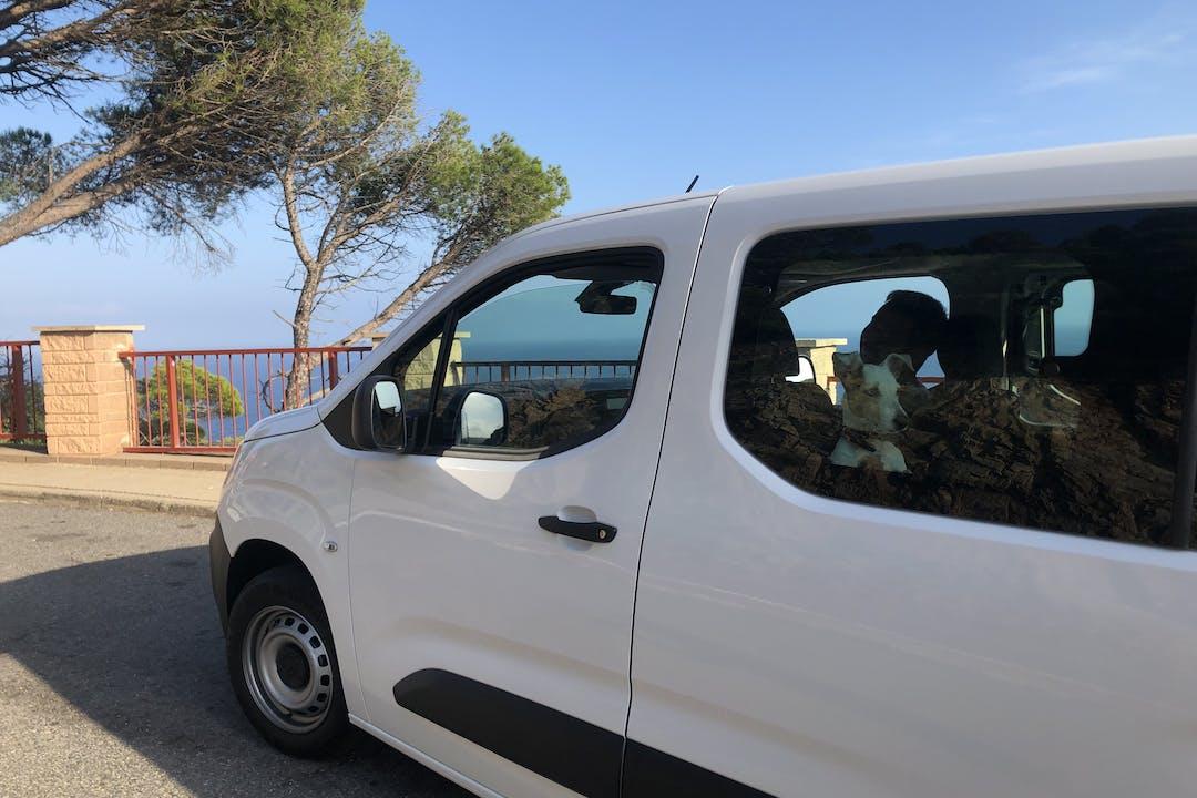 Alquiler barato de Citroen Berlingo M 1.5bluehdi 100 Shine cerca de 08013 Barcelona.