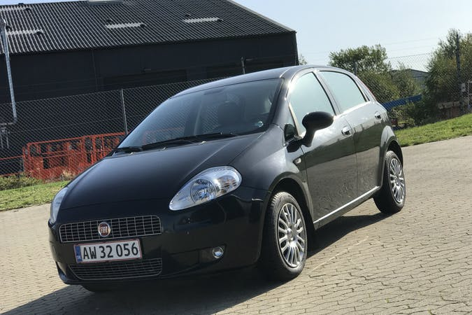 Billig billeje af Fiat Grande Punto nær 5000 Odense.
