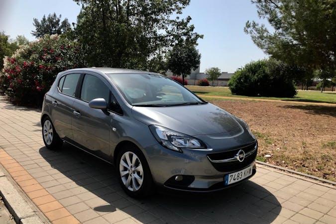 Alquiler barato de Opel Corsa cerca de 41008 Sevilla.