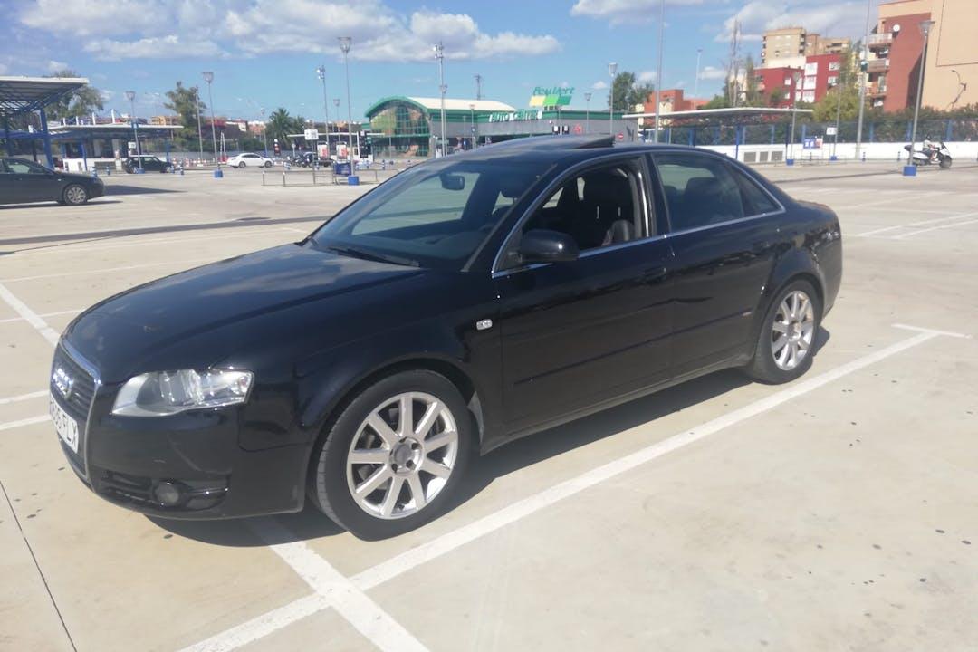 Alquiler barato de Audi A4 1.8t 163 cerca de 46023 València.