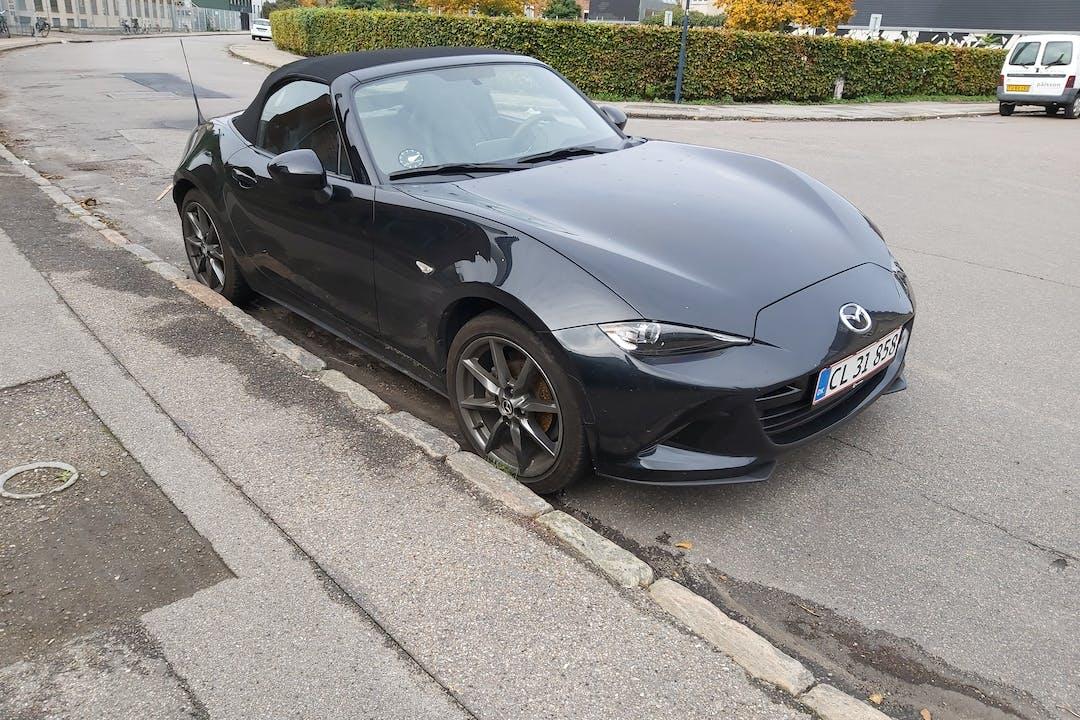 Billig billeje af Mazda MX-5 med GPS nær 2400 København.