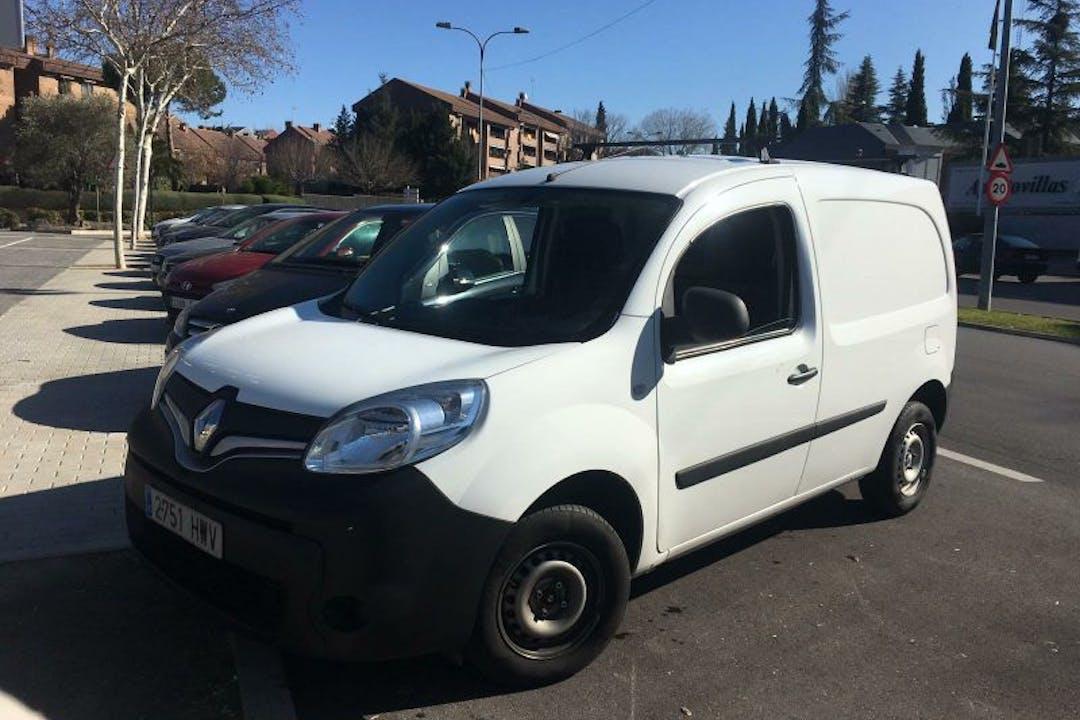 Alquiler barato de Renault Kangoo Express Confort 1.5dci 60 cerca de  Las Rozas de Madrid.