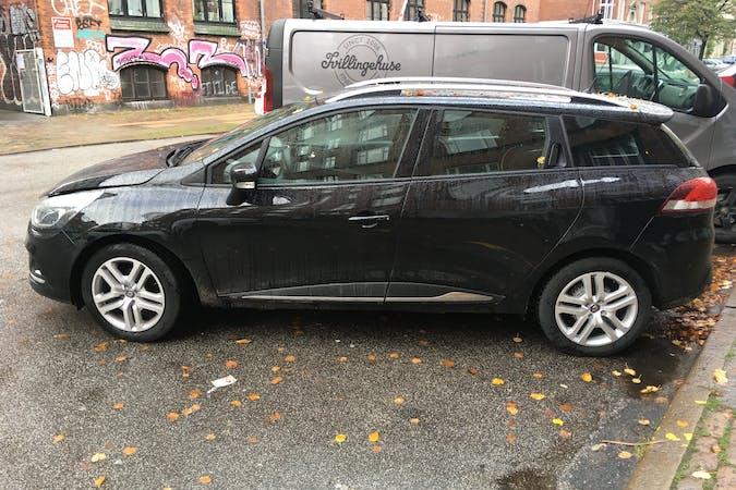 Billig billeje af Renault Clio SW nær 2200 København.