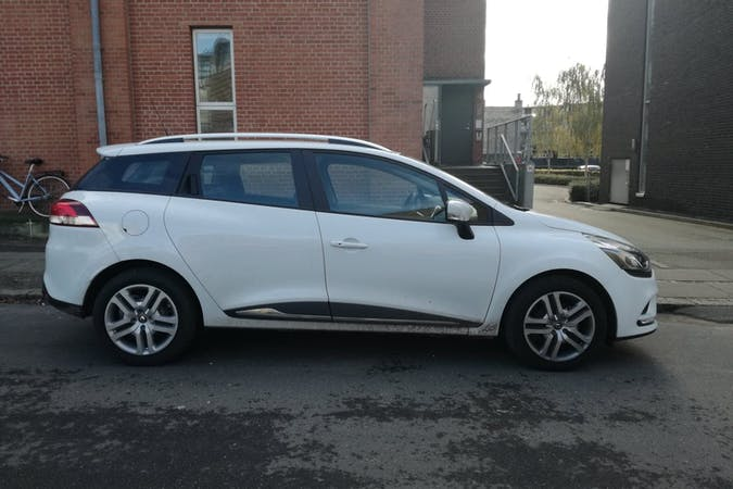 Billig billeje af Renault Clio SW nær 8000 Aarhus.