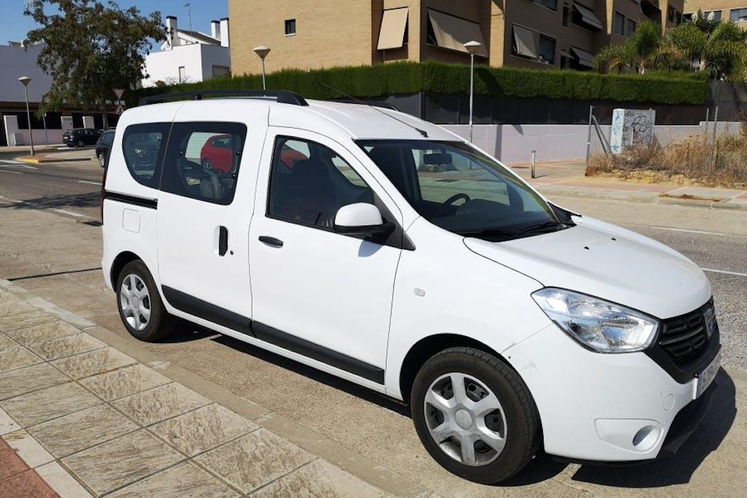 Alquiler barato de Dacia Dokker cerca de 41927 Mairena del Aljarafe.
